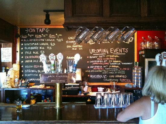 Jack Russell Brewery: Large beer selection