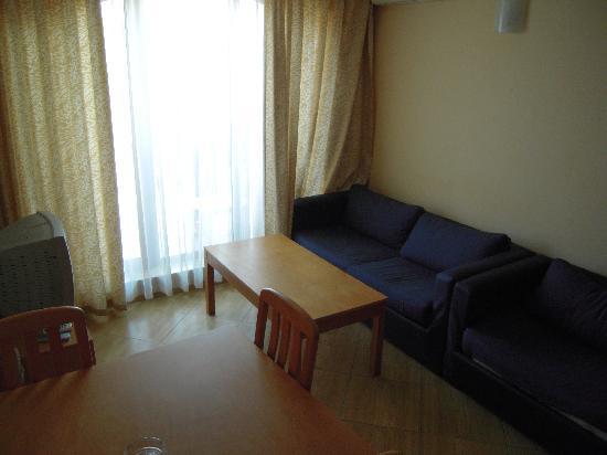 Golden Dreams: living room