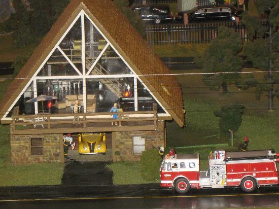 Choo Choo Barn : Fire truck putting out fire