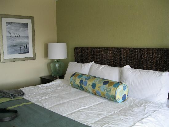 Sea Crest Beach Hotel: Bedroom area