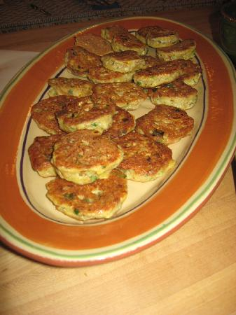Savory Spoon Cooking School: Crab cakes
