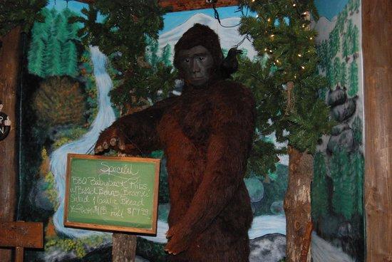 Bigfoot's Steakhouse: interior