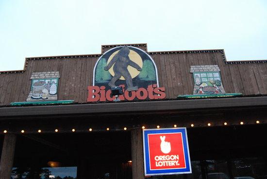 Bigfoot's Steakhouse: exterior