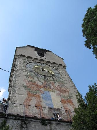 Heu Tower, one of the nine Museggmauer