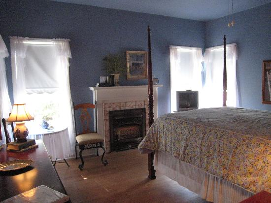 Hudspeth House Bed and Breakfast: Laurence Bedroom