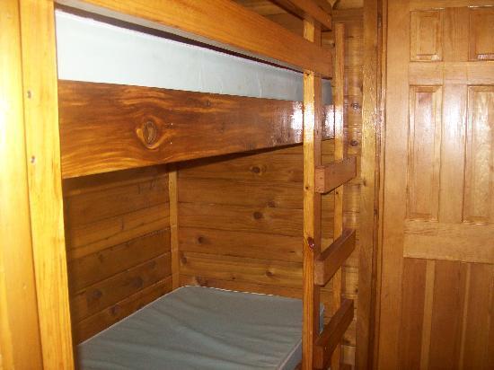Myrtle Beach KOA Kampground: Hallway bunk bed