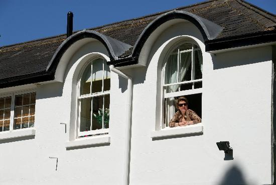 A & A Studley Cottage Bed and Breakfast : Twin bedded room from the garden