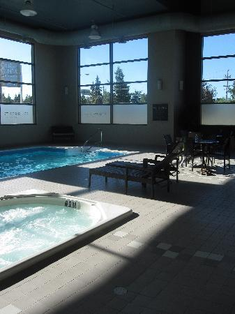 Four Points by Sheraton Prince George: Saltwater pool and hot tub.