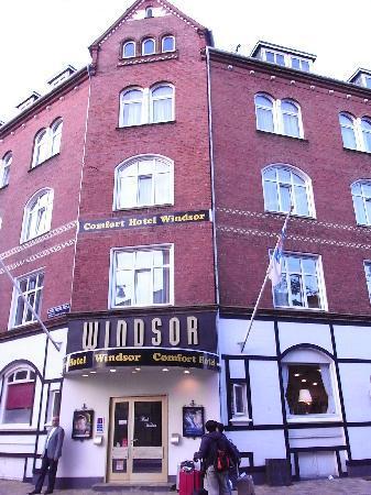 Milling Hotel Windsor, Odense : 駅と町の中心の中間の割と便利なところにある