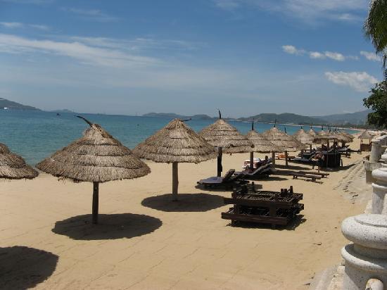 Sunrise Nha Trang Beach Hotel & Spa: plage