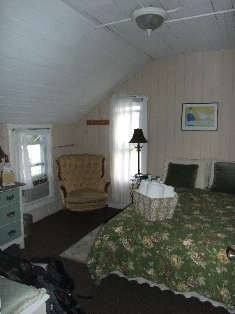 Nashua House Hotel: Room 206