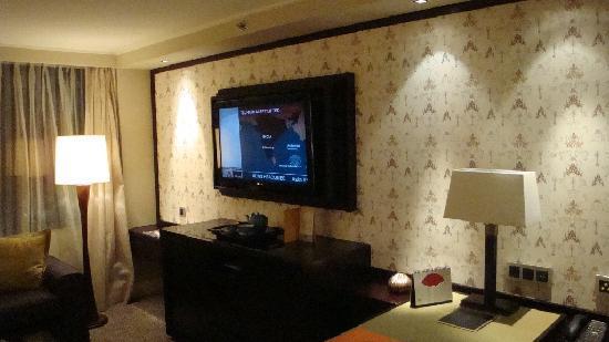 Mandarin Oriental Jakarta: Large 40inch LCD High Definition