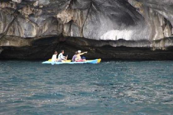 Kayak along Cadlao Wall