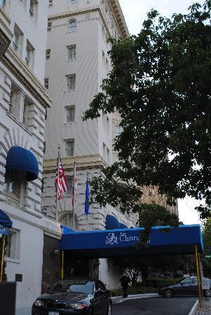 Churchill Hotel Near Embassy Row : Churchill Hotel DC - the entrance