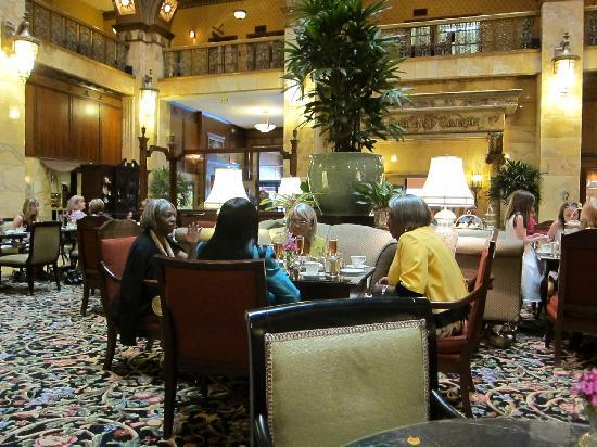 The Brown Palace Hotel and Spa, Autograph Collection: Afternoon Tea - Brown Palace lobby