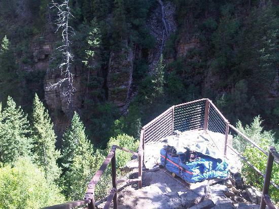 Hanging Lake Trail: New Railing