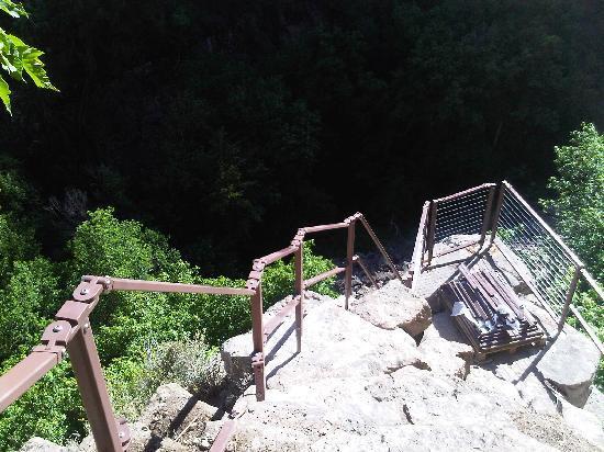 Hanging Lake Trail : New Railing