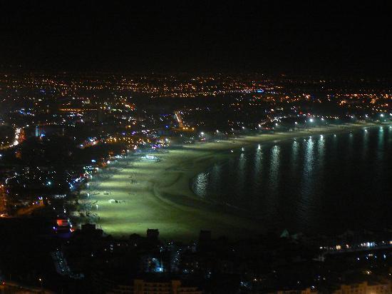 Oasis Hotel Agadir : vue d'Agadir la nuit