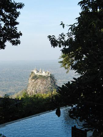 Popa Mountain Resort: Schwimmbad