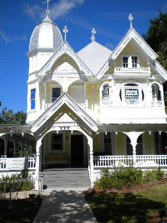 Maison en Ville : Historic Mt. Dora building