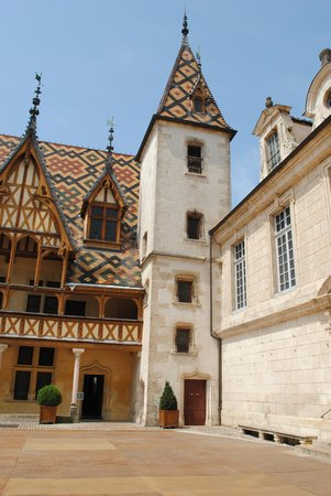 Wine and Voyages : Hospices de Beaune Burgundy wine tour