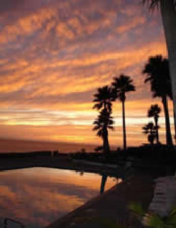 Sunset at Las Gaviotas Pool