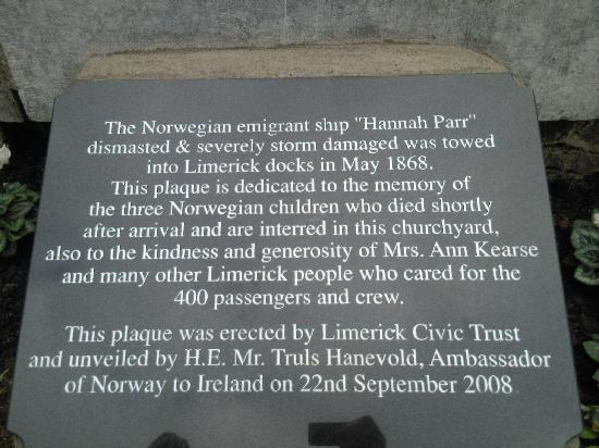 Saint Munchin's Catholic Church : plaque to the hannah parr ship which can be found in the graveyard around st munchins church on