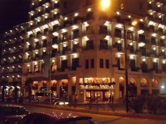 The Waterfront Hotel: Hotel at night