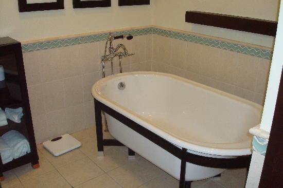 Bucuti & Tara Beach Resort Aruba: Bathroom