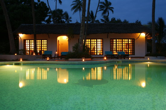 Diani Blue: Asha Cottage guest wing - only three rooms.