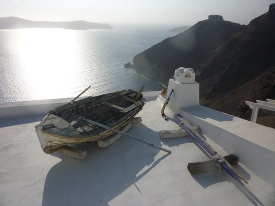 Eos Villa: view from Oia