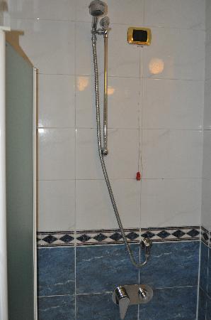 Hotel Vittoria: bathroom
