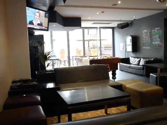 Nomads Melbourne: La salle à manger/Détente