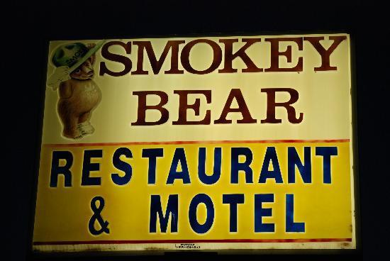 Smokey Bear Motel: The Sign