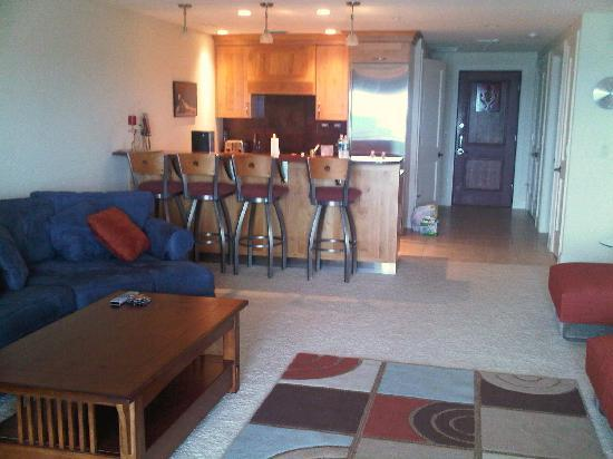 Peninsula Bay Resort Condominiums: living area
