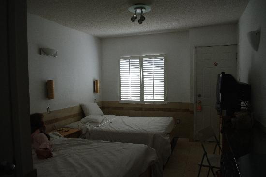 El Rancho Motel: room