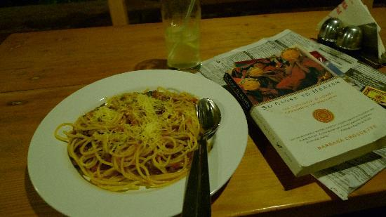 Seasons Restaurant: Bolognese spaghetti & So Close to Heaven!