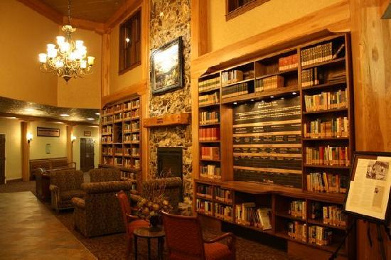 Rough Riders Hotel: Lobby (I checked in at 1:00am !)