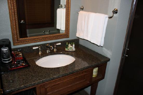 Rough Riders Hotel: Bathroom (room 6508)