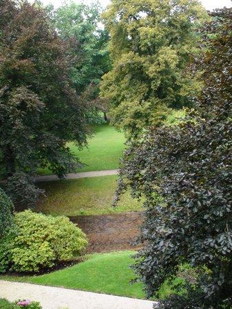 Brenners Park-Hotel & Spa: Brenner Garden along Lichtentaler Allee from our room