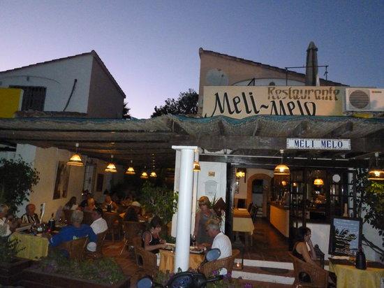 Meli Melo: Außenansicht des Meli Melu