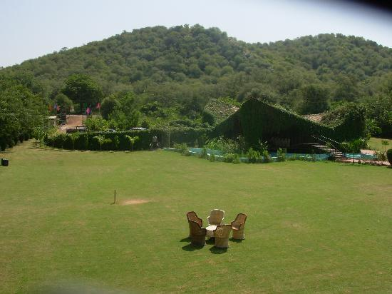 WelcomHeritage Ranthambore Forest Resort: view of hills from roof top restaurant