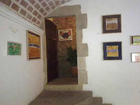 El Palauet de Monells: Exposición de Arte en la entrada