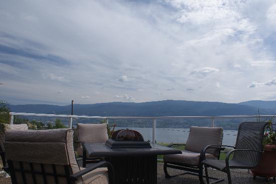 KeriGlen Lakeview Bed & Breakfast: vue sur lac