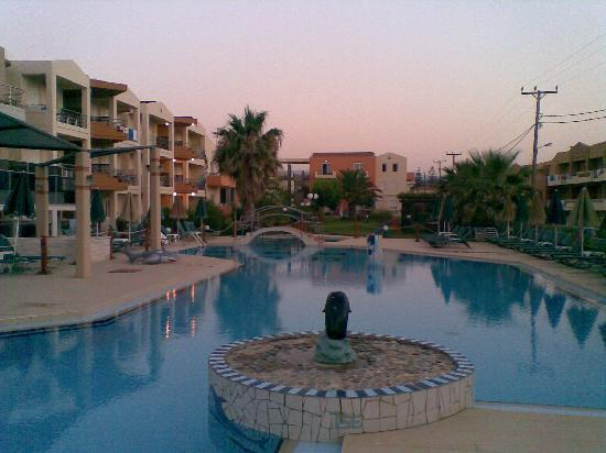 Maleme Mare Beachside Hotel Picture