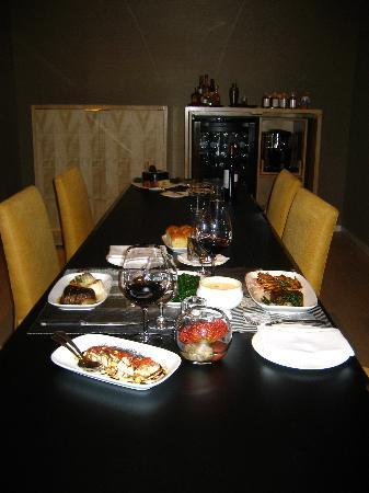 Skylofts at MGM Grand: Craft dinner served in our room