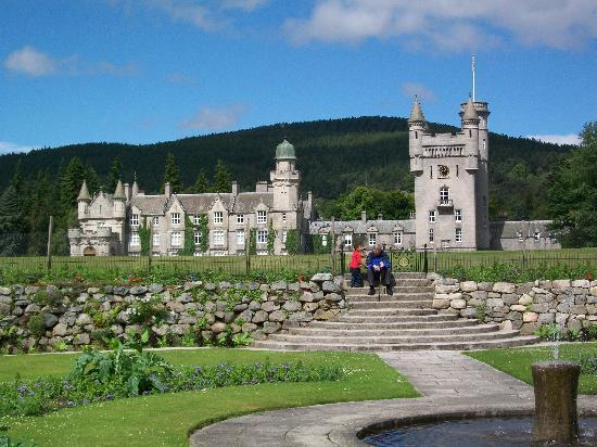 Баллатер, UK: Balmoral from the gardens