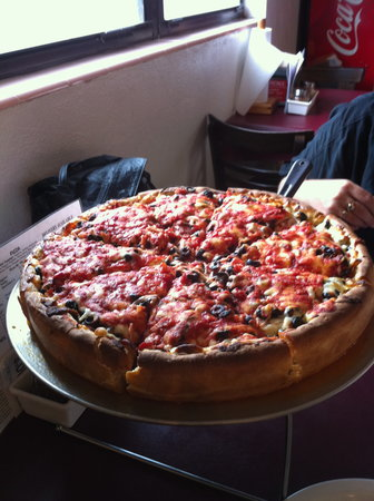Primo's Pizza: The pizza when they brought it out