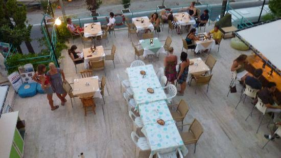 V-GO Hotel: vue de la terrasse /bar