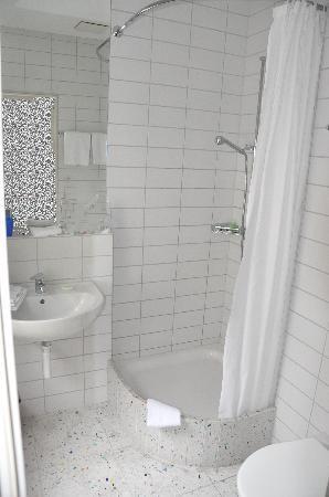 Der Teufelhof Basel: Bathroom